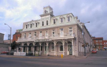Kingston-2004-102