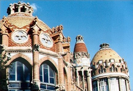 Architecture of Barcelona – Cuarto Oscuro